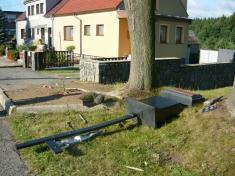 Kříž směrem naKrásensko pobouřce 6.8. 2012