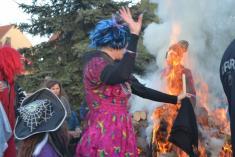 Fešn čarodějnice 2016, pálení čarodějnice zazvuku Babuchy atance.
