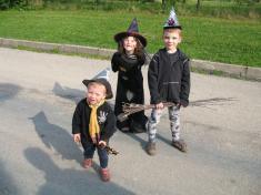 Malí černokněžníci ačarodějnice, pálení čarodějnic 2011.